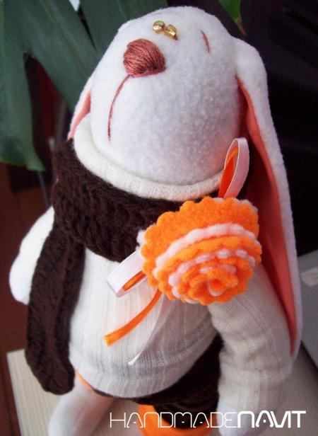 Шоколадно-апельсиновый зайчик Макс 35 см