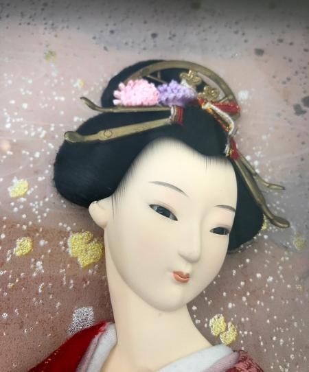 Панно с куклой гейшей