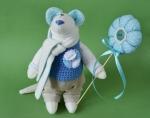 Мышонок Пьер с цветком 23 см