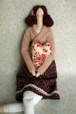 Тильда Кармелита с сердечком 52 см