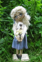Кукла Сашенька с букетом 31см
