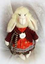 Новогодняя овечка Марина 30 см