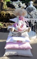 Принцесса на горошине Розамунда с птичкой 30 см