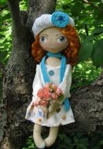 Кукла Марта - рыжая девочка в беретике и с букетом 33см