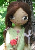 Кукла Катенька с розой 33см
